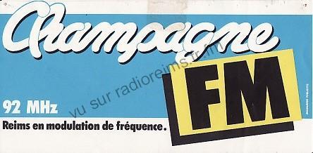 Premier autocollant Champagne FM